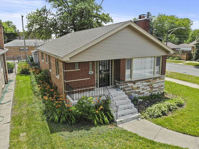 301 E 107th Street, Chicago, IL 60628 (MLS #10769835) :: Angela Walker Homes Real Estate Group