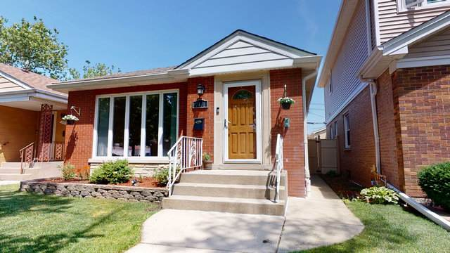 7451 N Oconto Avenue, Chicago, IL 60631 (MLS #10770022) :: Property Consultants Realty
