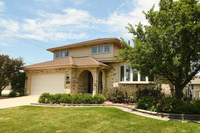 8350 Cloverview Drive, Tinley Park, IL 60477 (MLS #10770249) :: Touchstone Group