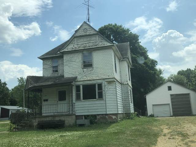 304 W Spruce Street, Paxton, IL 60957 (MLS #10770743) :: Ryan Dallas Real Estate