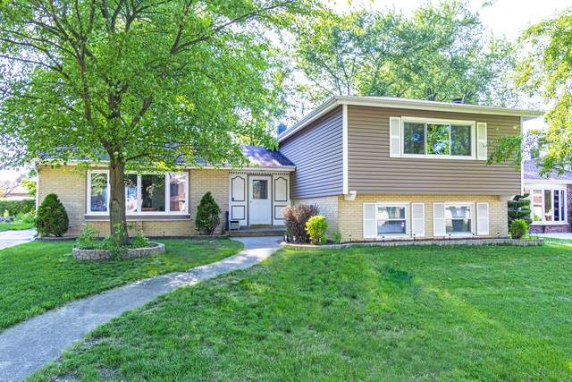 818 Kings Point Drive E, Addison, IL 60101 (MLS #10771151) :: The Spaniak Team