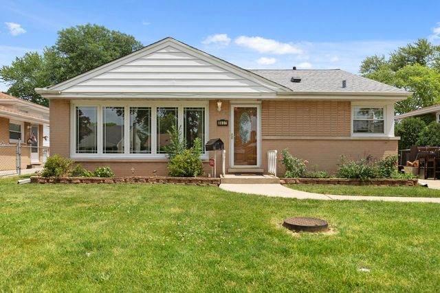 8837 N Merrill Street, Niles, IL 60714 (MLS #10771794) :: Helen Oliveri Real Estate