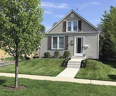 1540 Whitcomb Avenue, Des Plaines, IL 60018 (MLS #10772352) :: Helen Oliveri Real Estate