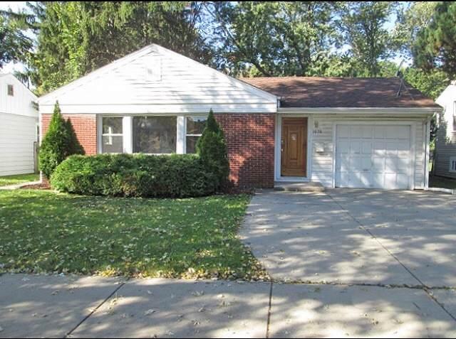1070 S Wolf Road, Des Plaines, IL 60016 (MLS #10773043) :: Helen Oliveri Real Estate