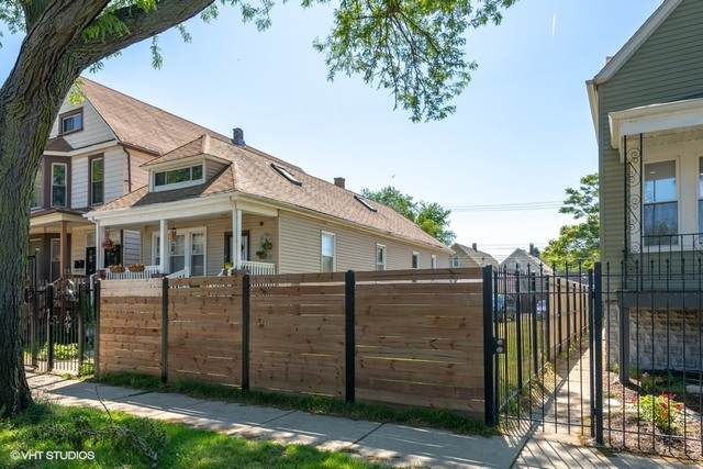 8028 S South Shore Drive, Chicago, IL 60617 (MLS #10774439) :: Knott's Real Estate Team