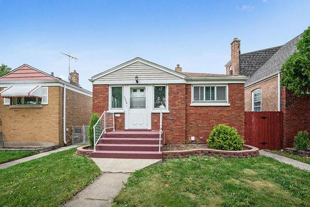 5748 W 64th Street, Chicago, IL 60638 (MLS #10774654) :: Touchstone Group
