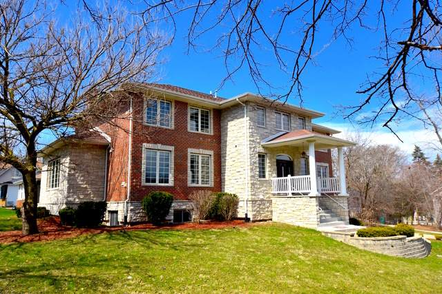 240 E 55th Street, Westmont, IL 60559 (MLS #10775159) :: The Wexler Group at Keller Williams Preferred Realty