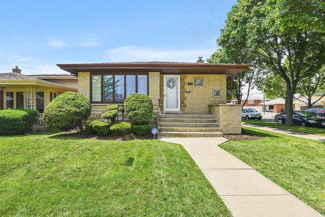8600 S Komensky Avenue, Chicago, IL 60652 (MLS #10775361) :: Property Consultants Realty
