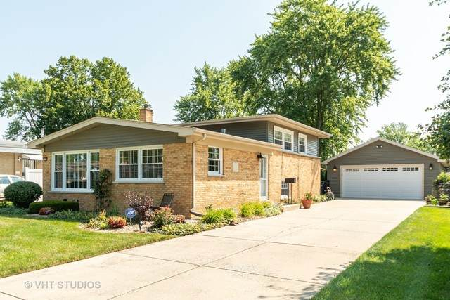 323 Avonelle Drive, Chicago Heights, IL 60411 (MLS #10775520) :: Angela Walker Homes Real Estate Group