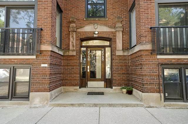 3546 N Janssen Avenue #3, Chicago, IL 60657 (MLS #10775688) :: The Dena Furlow Team - Keller Williams Realty