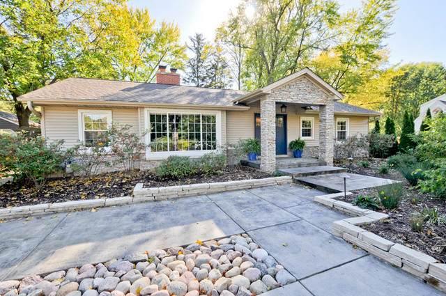 21 Sunset Road, Bloomington, IL 61701 (MLS #10776327) :: Ryan Dallas Real Estate