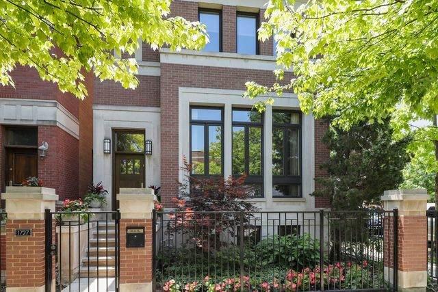 1727 W Wellington Avenue, Chicago, IL 60657 (MLS #10776816) :: Littlefield Group