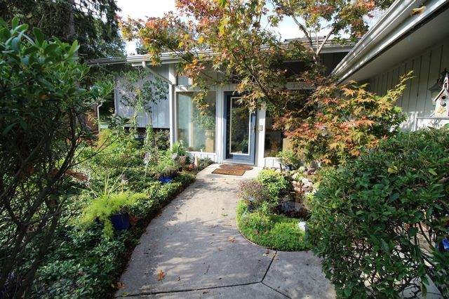 3306 Lakeshore Drive, Champaign, IL 61822 (MLS #10778030) :: Ryan Dallas Real Estate