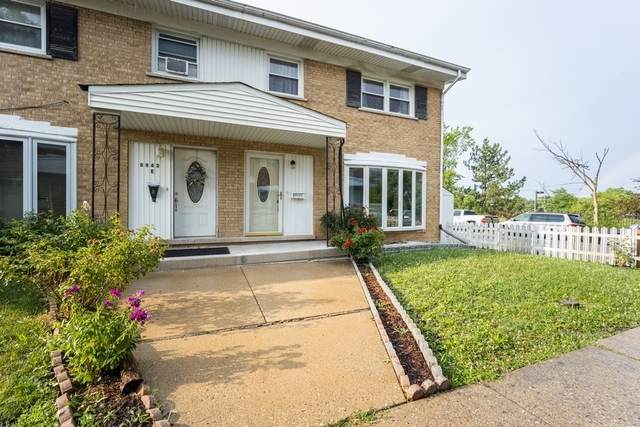 8943 Robin Drive F, Des Plaines, IL 60016 (MLS #10778273) :: Property Consultants Realty