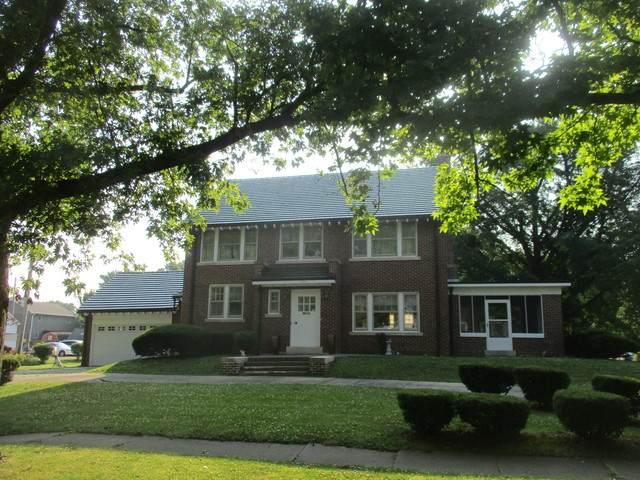 501 N Main Street, Tuscola, IL 61953 (MLS #10778360) :: Lewke Partners