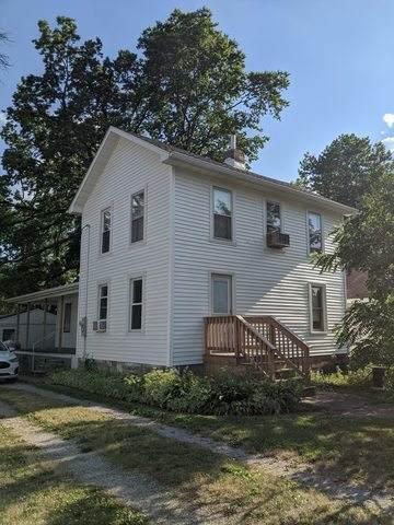 205 E Oak Street, Fairbury, IL 61739 (MLS #10778932) :: The Wexler Group at Keller Williams Preferred Realty