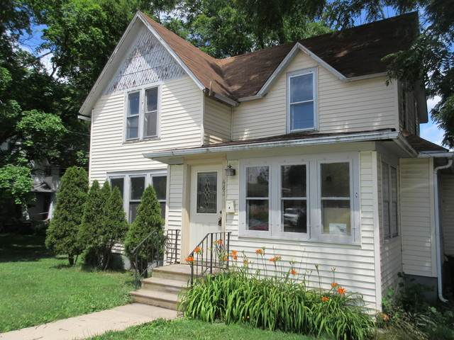 483 E Elm Street, Sycamore, IL 60178 (MLS #10778997) :: Angela Walker Homes Real Estate Group