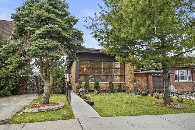 7167 W Armitage Avenue, Chicago, IL 60707 (MLS #10780024) :: John Lyons Real Estate