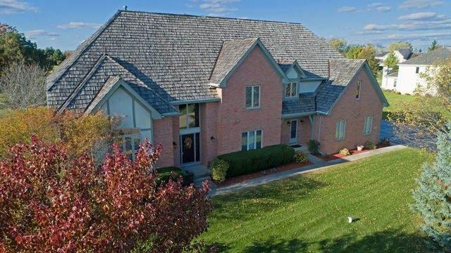 5 Middletree Lane, Hawthorn Woods, IL 60047 (MLS #10780876) :: Lewke Partners