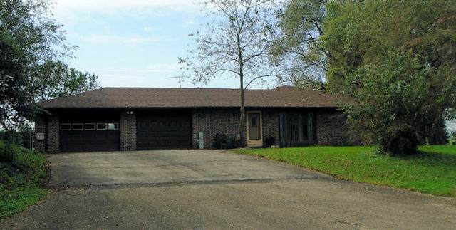 15761 E Big Mound Road, Lindenwood, IL 61049 (MLS #10786037) :: Schoon Family Group