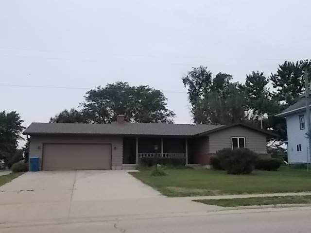 330 W 8th Street, Milledgeville, IL 61051 (MLS #10789317) :: Littlefield Group