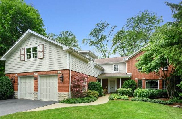 1216 Spruce Drive, Glenview, IL 60025 (MLS #10789783) :: Helen Oliveri Real Estate