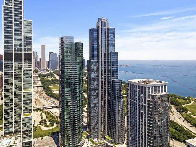 1211 S Prairie Avenue #4003, Chicago, IL 60605 (MLS #10789940) :: Angela Walker Homes Real Estate Group