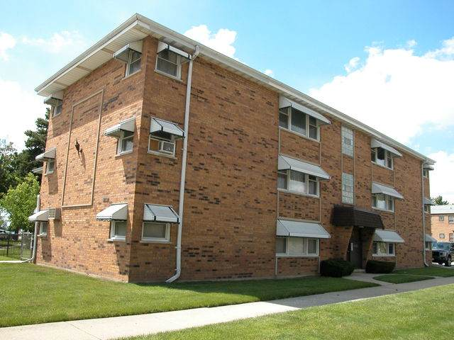 9702 Pacific Avenue, Franklin Park, IL 60131 (MLS #10791379) :: Property Consultants Realty
