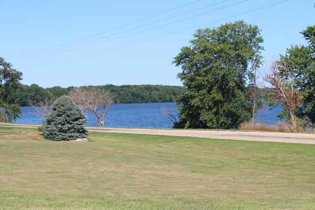 31 Lakeview Drive - Photo 1