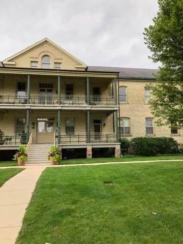 118 Leonard Wood South #102, Highland Park, IL 60035 (MLS #10793698) :: John Lyons Real Estate