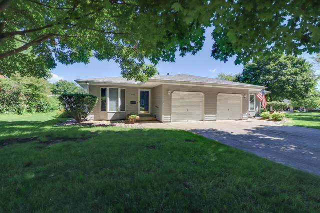 695 E 2nd Street A, El Paso, IL 61738 (MLS #10794244) :: BN Homes Group