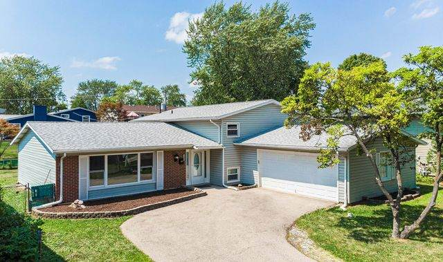 7892 Strathmore Lane, Hanover Park, IL 60133 (MLS #10794290) :: John Lyons Real Estate