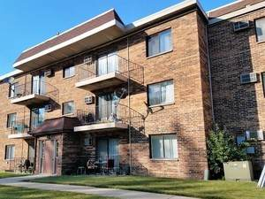 972 N Rohlwing Road #101, Addison, IL 60101 (MLS #10795454) :: John Lyons Real Estate