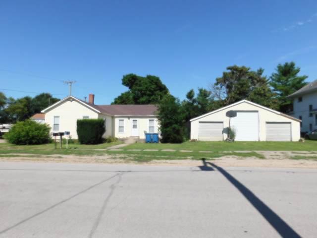307 N Main Street, Earlville, IL 60518 (MLS #10796255) :: Helen Oliveri Real Estate
