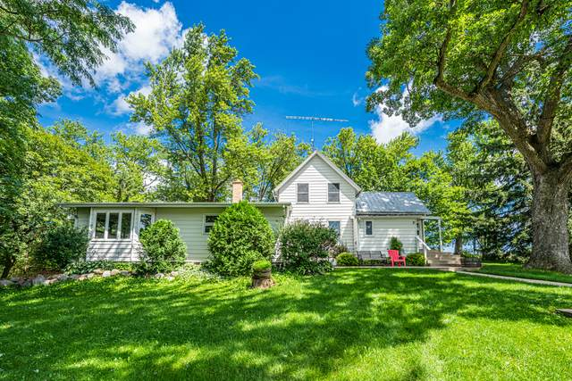 7749 N Boone School Road, Capron, IL 61012 (MLS #10797336) :: Helen Oliveri Real Estate
