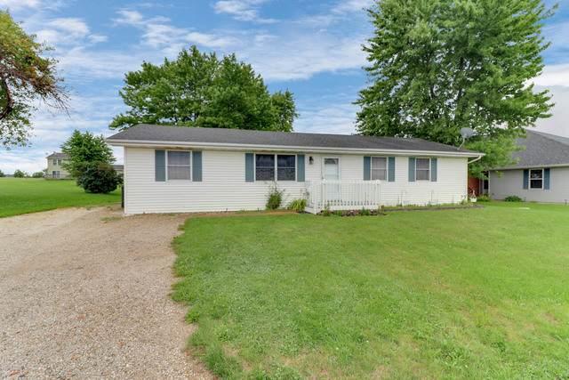 327 N Church Street, Carlock, IL 61725 (MLS #10797495) :: BN Homes Group