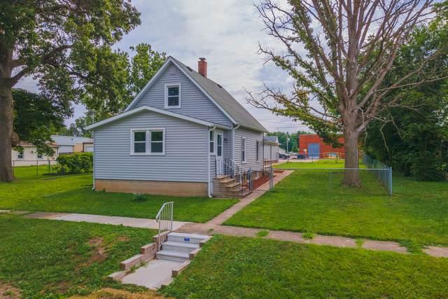 107 N Walnut Street, HEYWORTH, IL 61745 (MLS #10797606) :: The Wexler Group at Keller Williams Preferred Realty