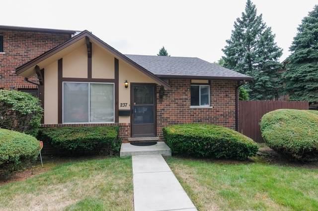 18W237 Lowell Lane #237, Villa Park, IL 60181 (MLS #10799216) :: John Lyons Real Estate