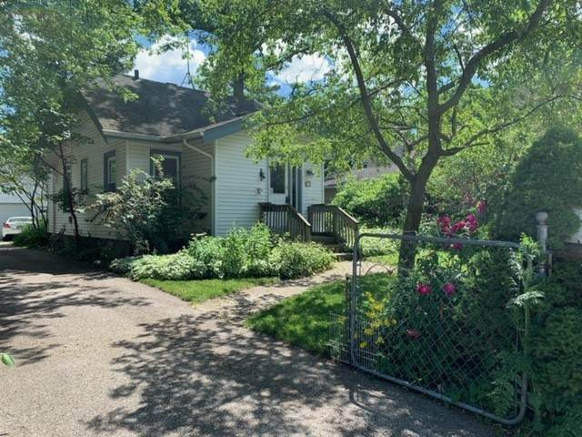 685 Woodlawn Avenue - Photo 1
