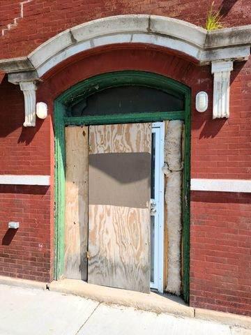 748 W 69TH Street, Chicago, IL 60621 (MLS #10799435) :: Helen Oliveri Real Estate