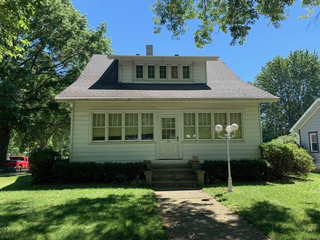 301 S White Street, Mackinaw, IL 61755 (MLS #10799804) :: BN Homes Group