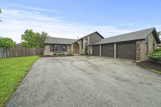 18621 Neal Circle, Country Club Hills, IL 60478 (MLS #10803030) :: The Mattz Mega Group