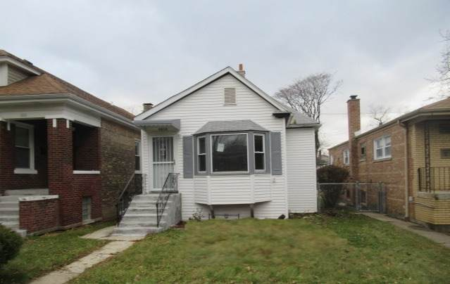 8808 S Loomis Street, Chicago, IL 60620 (MLS #10803379) :: Property Consultants Realty