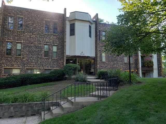 2216 Country Club Drive #24, Woodridge, IL 60517 (MLS #10803865) :: Angela Walker Homes Real Estate Group