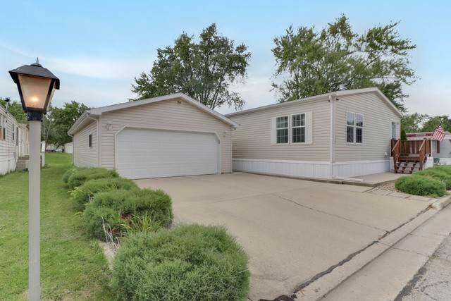 1327 13th Street, Bloomington, IL 61704 (MLS #10804177) :: BN Homes Group