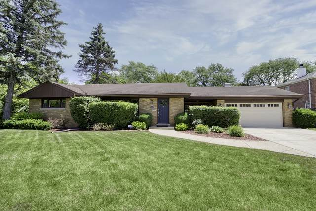 545 Briarhill Lane, Glenview, IL 60025 (MLS #10804430) :: Property Consultants Realty
