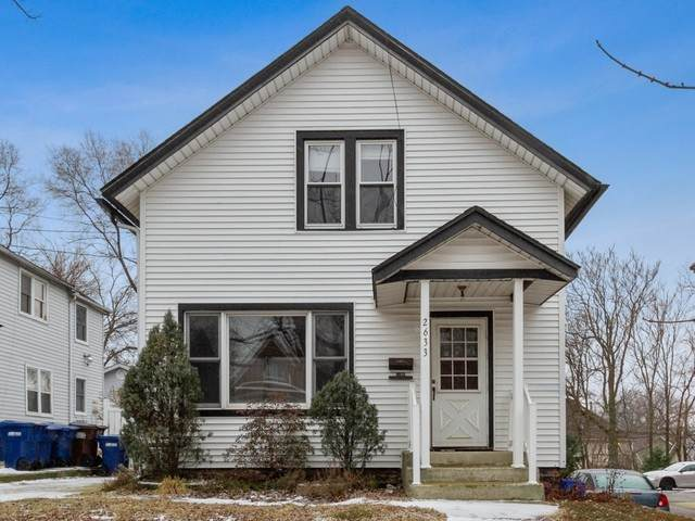 2633 New Street, Blue Island, IL 60406 (MLS #10805260) :: Angela Walker Homes Real Estate Group