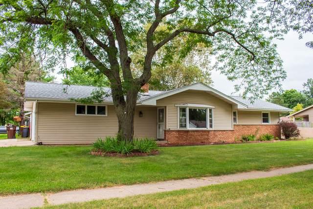 7701 Eastmont Avenue, Loves Park, IL 61111 (MLS #10805712) :: John Lyons Real Estate