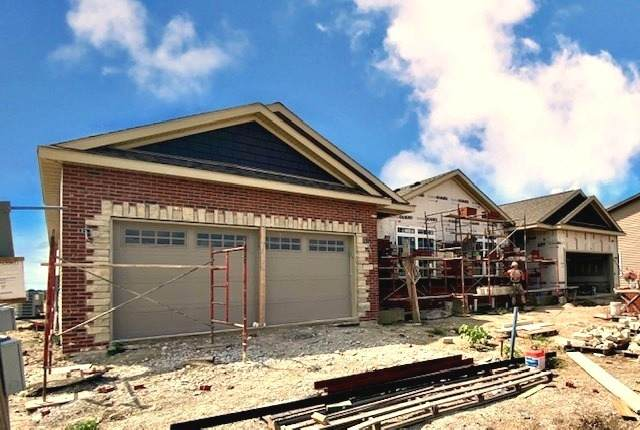 1907 Roseland Drive #1907, Mahomet, IL 61853 (MLS #10805863) :: Ryan Dallas Real Estate