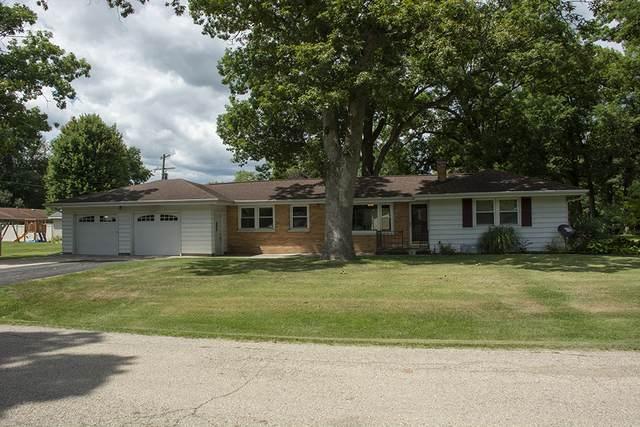 323 Tree Lane, Prophetstown, IL 61277 (MLS #10806440) :: Helen Oliveri Real Estate